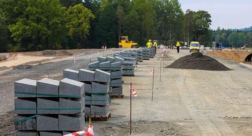 Utrudnienia w ruchu, Uwaga kierowcy!! miesiące zamykają drogę Bolków Wrocław - zdjęcie, fotografia