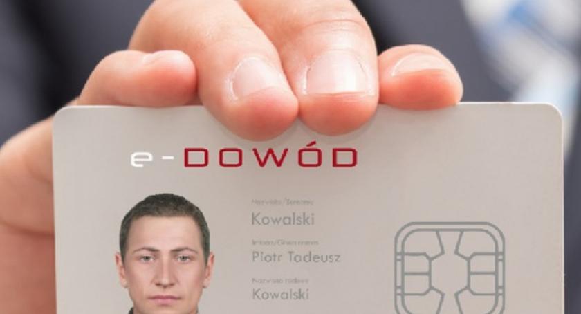 Ważne komunikaty, Ważne zmiany prawach jazdy dowodach osobistych - zdjęcie, fotografia