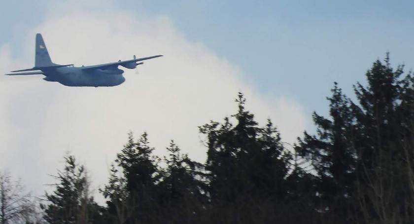 Z ostatniej chwili, Tajemnicze samoloty Górą Szybowcową - zdjęcie, fotografia