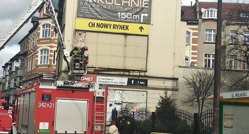 Utrudnienia w ruchu, Akcja straży pożarnej ulicy Wolności - zdjęcie, fotografia