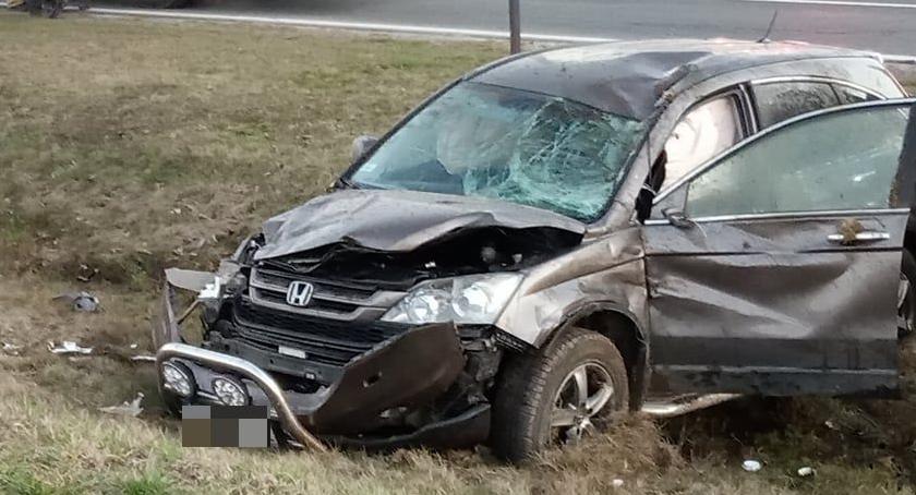 Wypadki drogowe, Kobieta potrącona przejściu pieszych rowie - zdjęcie, fotografia