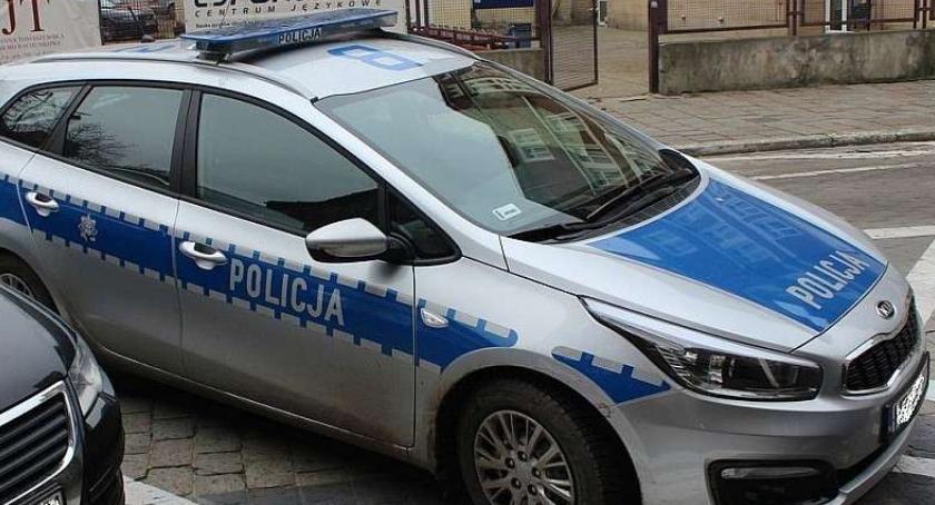 Kronika Kryminalna, Zadzwonił policje zgłosić interwencję poszukiwany - zdjęcie, fotografia
