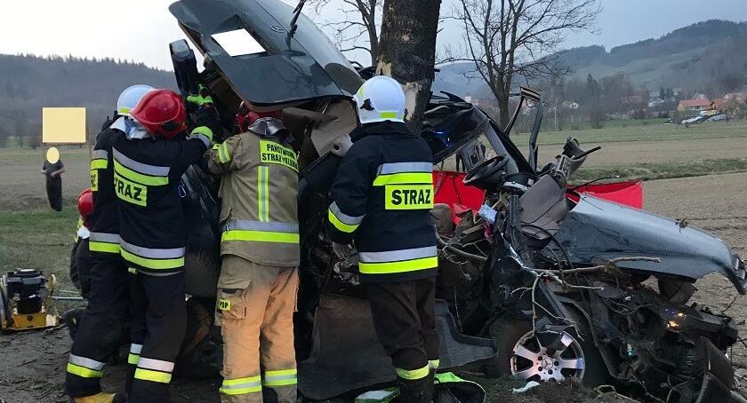 Wypadki drogowe, Śmiertelny wypadek drodze Kamiennej Góry Kowar - zdjęcie, fotografia