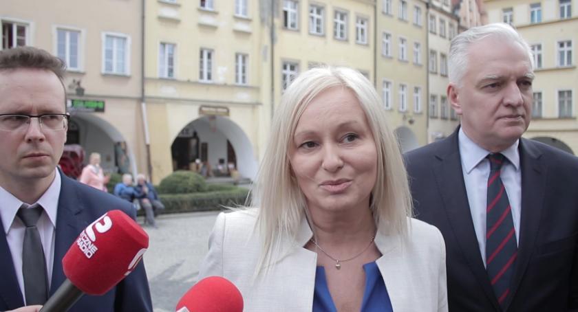 Samorząd, Gowin przedstawił kandydatkę Porozumienia - zdjęcie, fotografia