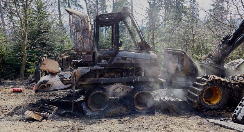 Pożary, Spalili maszyny warte miliony złotych Zostawili - zdjęcie, fotografia