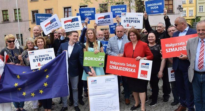 Ludzie, Koalicja Europejska przedstawia kandydatów Europarlamentu - zdjęcie, fotografia