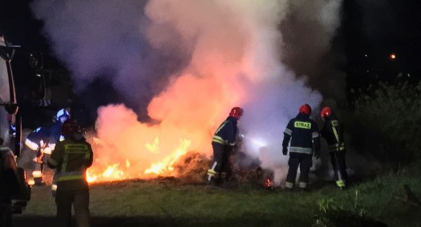 Pożary, Spłonęła przyczepa sianem - zdjęcie, fotografia