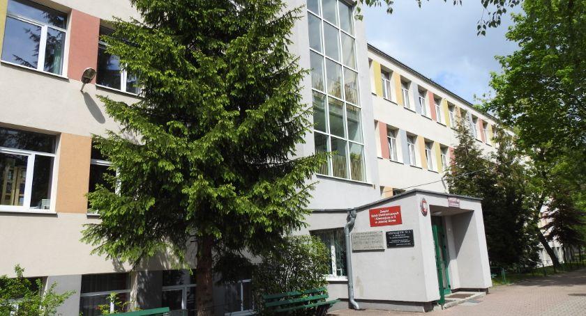 Kronika Kryminalna, nożem szkoły - zdjęcie, fotografia