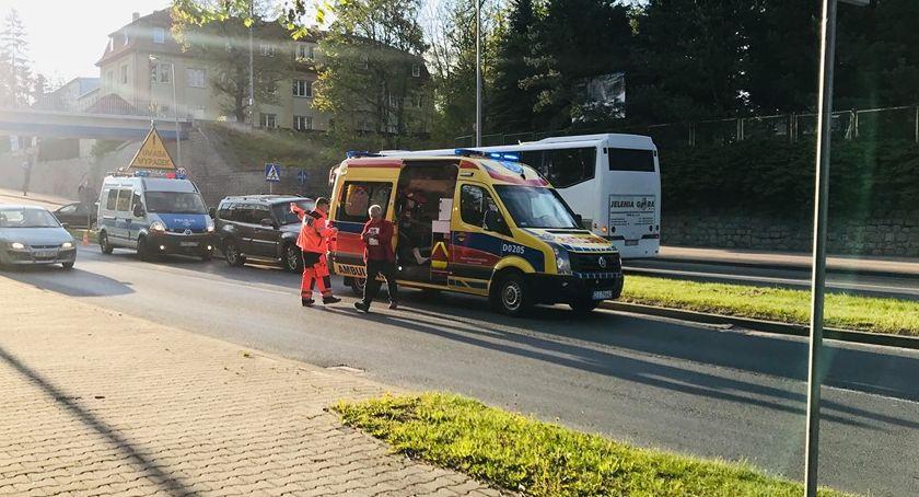 Wypadki drogowe, latka potrącona przejściu pieszych - zdjęcie, fotografia