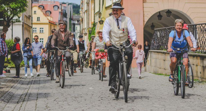 Wydarzenia, Parada Rowerów Retro przejechała ulicami miasta - zdjęcie, fotografia