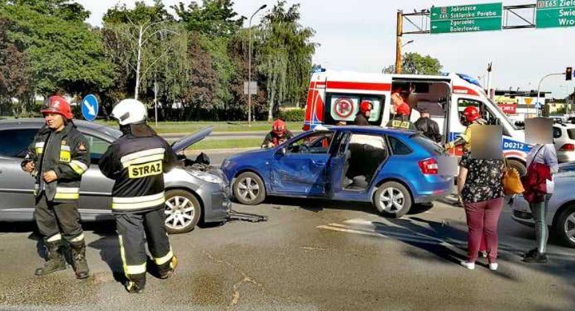 Wypadki drogowe, Zderzenie trzech Różyckiego - zdjęcie, fotografia