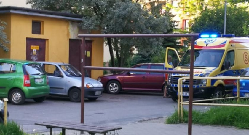 Kronika Kryminalna, Makabryczne odkrycie ulicy Karłowicza Zwłoki zaparkowanym aucie - zdjęcie, fotografia