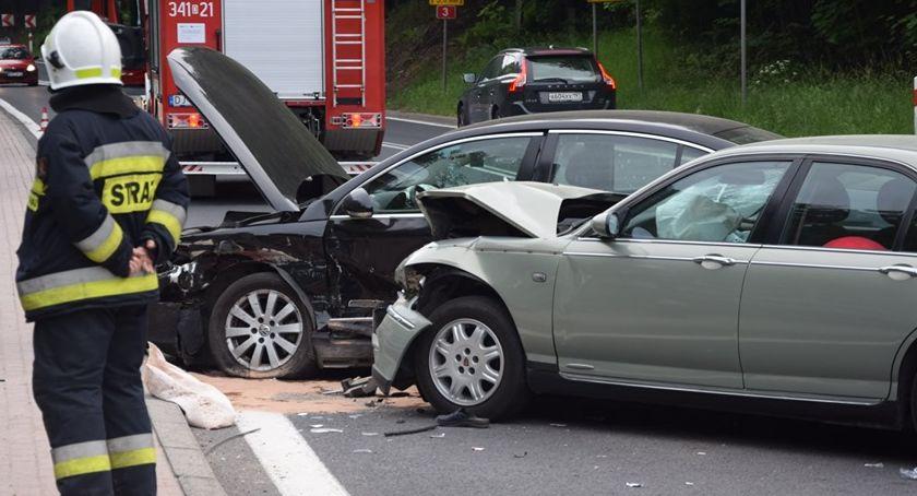 Wypadki drogowe, Groźny wypadek Szklarską Porębą - zdjęcie, fotografia