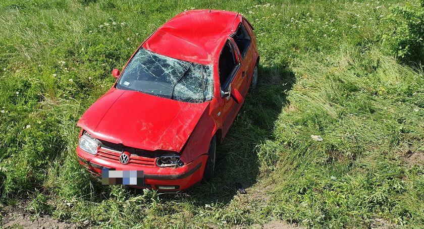 Wypadki drogowe, Dachowanie Miłkowie Kierująca szpitalu - zdjęcie, fotografia