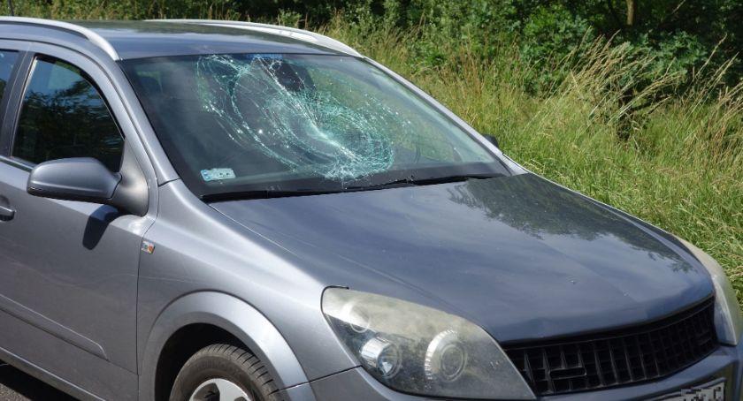 Wypadki drogowe, Chłopiec jechał niesprawnym rowerze Wpadł samochód - zdjęcie, fotografia