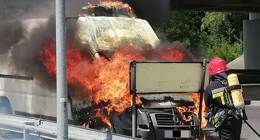 Pożary, zapalił podczas jazdy - zdjęcie, fotografia