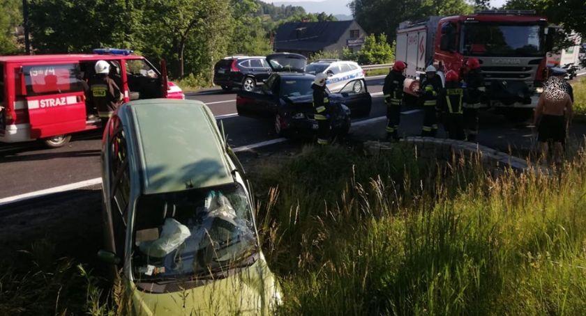 Wypadki drogowe, Zderzenie Radomierzu osoby ranne - zdjęcie, fotografia