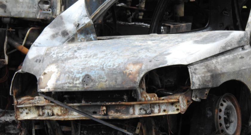 Pożary, Pożar samochodów Jeżowie Sudeckim - zdjęcie, fotografia