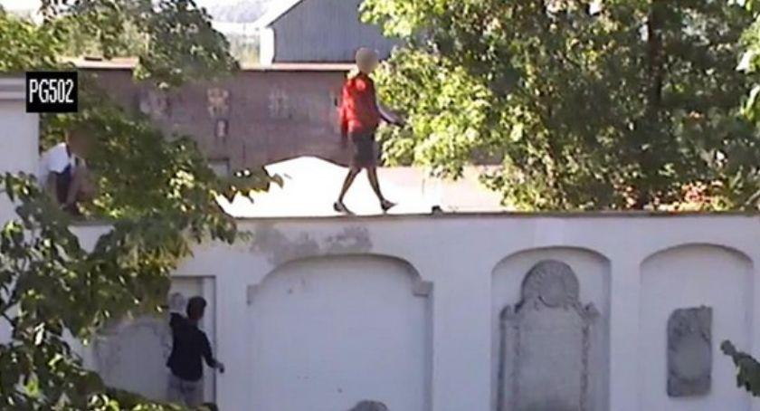 Interwencje, Idiotyczna zabawa Parku Garnizonowym - zdjęcie, fotografia