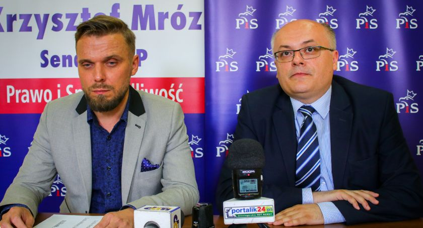 Samorząd, Mróz Prezydent Łużniak oszukał mieszkańców należy czerwona kartka! - zdjęcie, fotografia