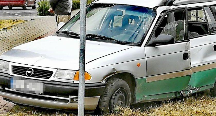 Wypadki drogowe, wypadł drogi Kierowca prawa jazdy - zdjęcie, fotografia
