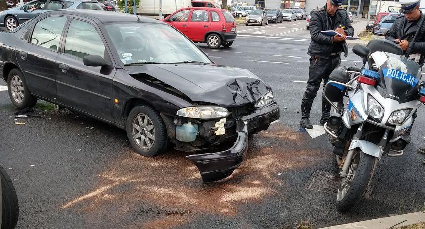 Wypadki drogowe, Zderzenie Grunwaldzkiej Jedna osoba poszkodowana - zdjęcie, fotografia