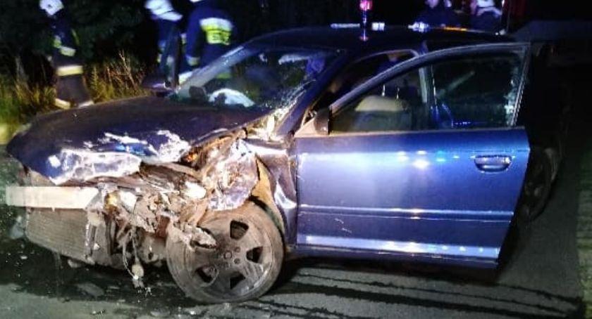 Wypadki drogowe, Zderzenie Fiata Punto Jedna osoba zakleszczona - zdjęcie, fotografia
