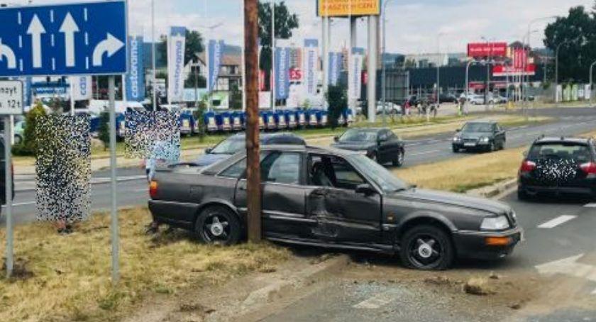 Wypadki drogowe, Wypadek Pawła Ciężarówka zderzyła autem osobowym - zdjęcie, fotografia