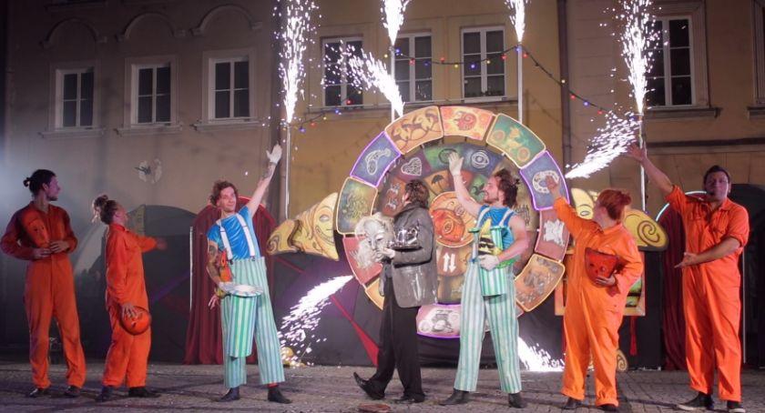 Teatr, Rozpoczął Międzynarodowy Festiwal Teatrów Ulicznych (VIDEO) - zdjęcie, fotografia