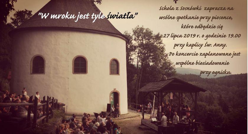 Wydarzenia, mroku światła koncert kaplicy Sosnówce - zdjęcie, fotografia