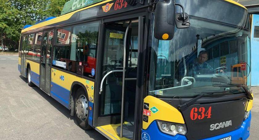 Komunikacja, testuje autobus - zdjęcie, fotografia