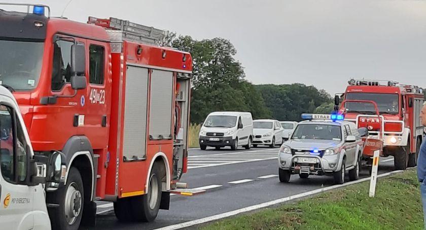 Wypadki drogowe, Zderzenie trzech pojazdów ranni - zdjęcie, fotografia