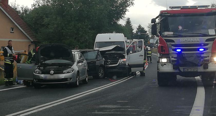 Wypadki drogowe, Zderzenie trzech Siedlęcinie Utrudnienia ruchu - zdjęcie, fotografia