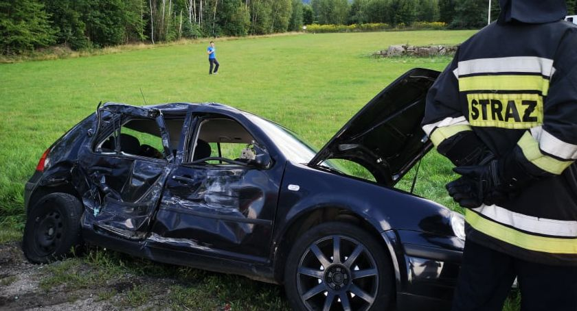 Wypadki drogowe, Wypadek Podgórzynie zderzył betoniarką - zdjęcie, fotografia
