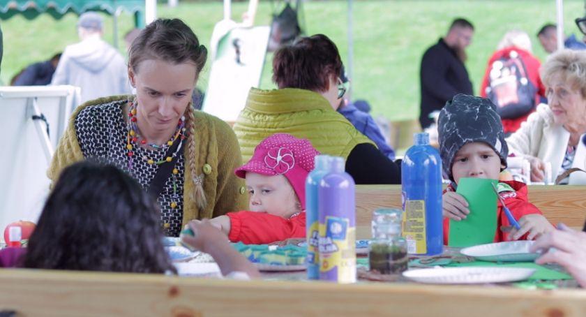 Edukacja, Pełen atrakcji Piknik Chojnikiem - zdjęcie, fotografia
