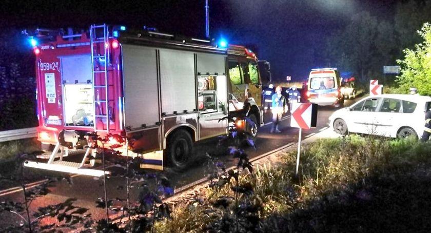 Wypadki drogowe, Zderzenie dwóch samochodów okolicach Dziwiszowa - zdjęcie, fotografia
