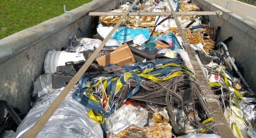 Kronika Kryminalna, Kolejny nielegalny transport śmieci Polski zablokowany - zdjęcie, fotografia