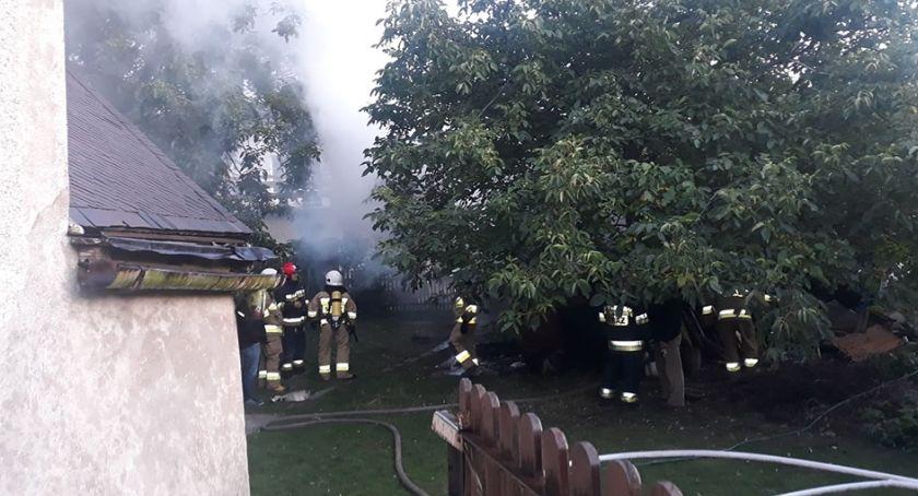Pożary, Ścięgnach paliła drewniana szopa - zdjęcie, fotografia