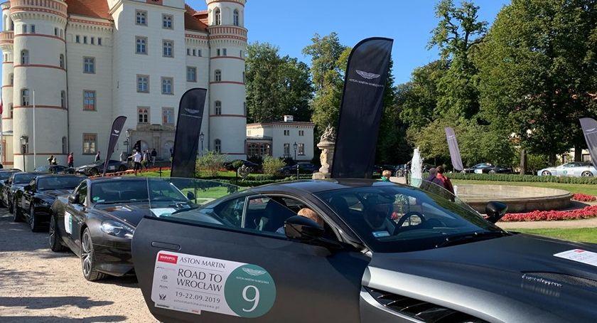 Komunikacja, Aston Martin Wrocław - zdjęcie, fotografia