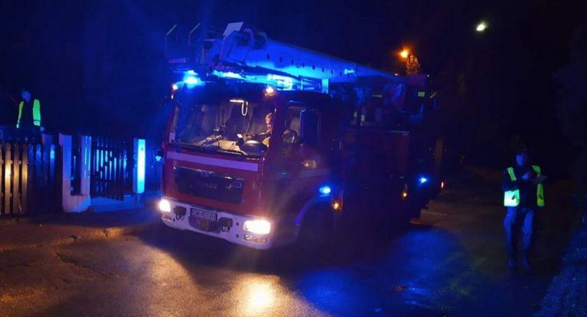 Pożary, Zapaliła sadza kominie - zdjęcie, fotografia