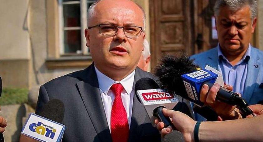 Samorząd, liczenie głosów Znamy częściowe wyniki wyborów - zdjęcie, fotografia