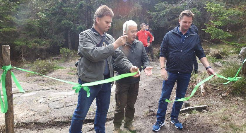 Turystyka, Szlak zielony Pielgrzymów schroniska Odrodzenie został oficjalnie otwarty - zdjęcie, fotografia