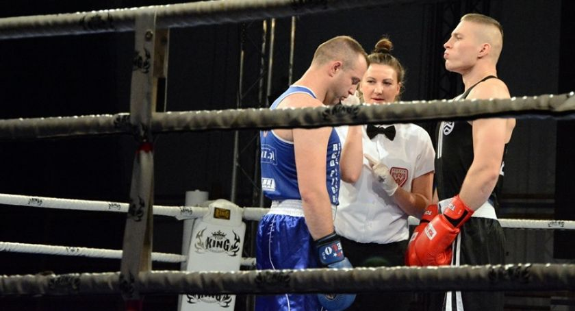 Boks, Udane występy pięściarzy Fighters - zdjęcie, fotografia