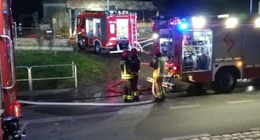 Pożary, Palił tartak Dziwiszowie działaniach brało udział strażaków - zdjęcie, fotografia