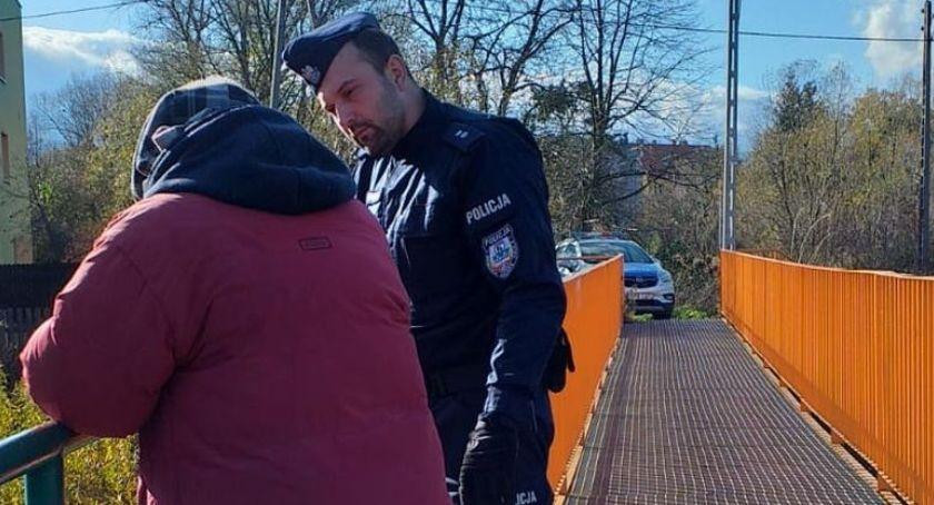 Komunikaty policji, bądźmy obojętni zagrożenia związane wychłodzeniem organizmu! - zdjęcie, fotografia