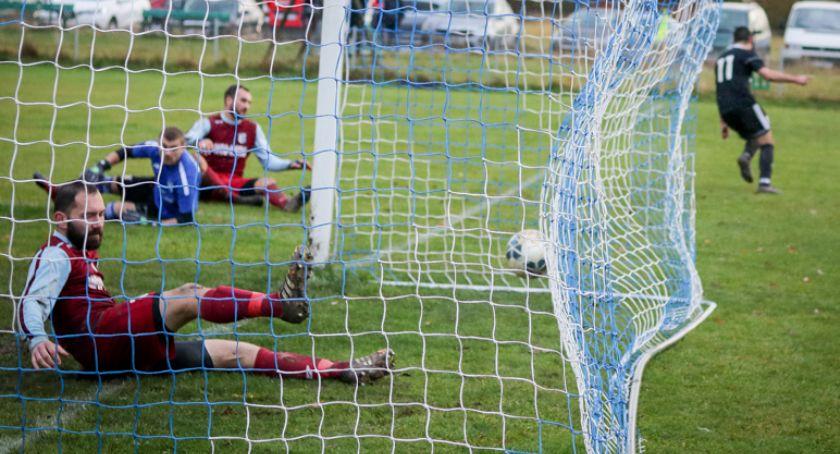 Piłka nożna, Derby Karkonoszy! - zdjęcie, fotografia