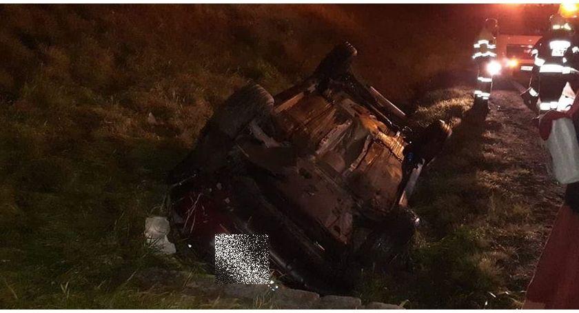 Wypadki drogowe, Dachowanie Kaczorowie Kierowca uciekł - zdjęcie, fotografia