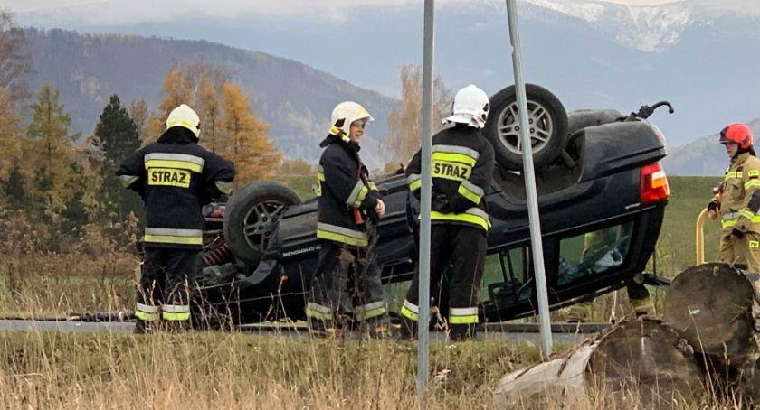 Wypadki drogowe, Dachowanie Jeep`a Dolnośląskiej Kierowca szpitalu - zdjęcie, fotografia