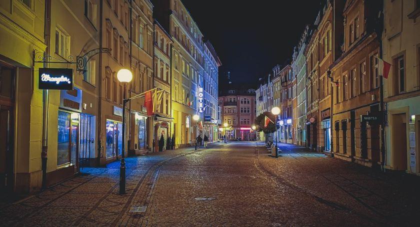 Inwestycje, Będzie jaśniej Jeleniej Górze - zdjęcie, fotografia