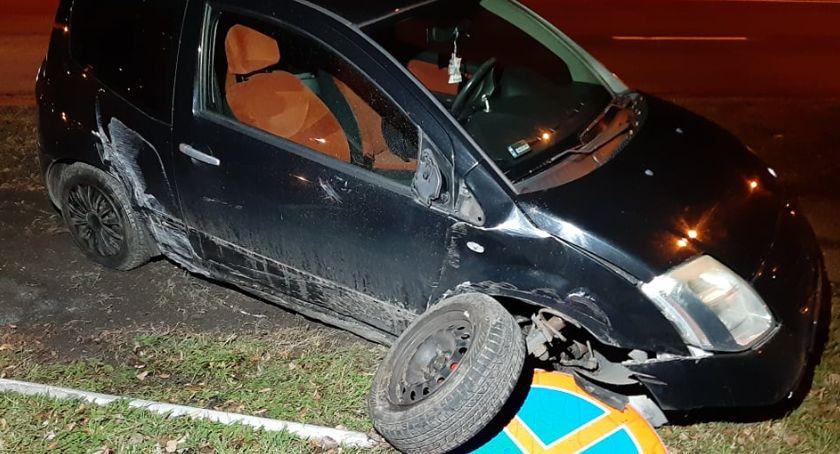 Wypadki drogowe, ulicy Wolności citroen wypadł drogi - zdjęcie, fotografia